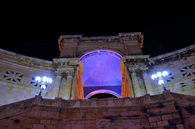Tumore al polmone e bimbi prematuri, monumenti illuminati anche a Cagliari