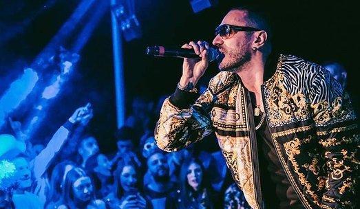 Marracash star sul palco di Capodanno ad Arzachena