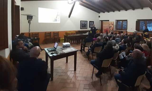 I cittadini di Meana Sardo a lezione di servizi postali: primo paese su duecento