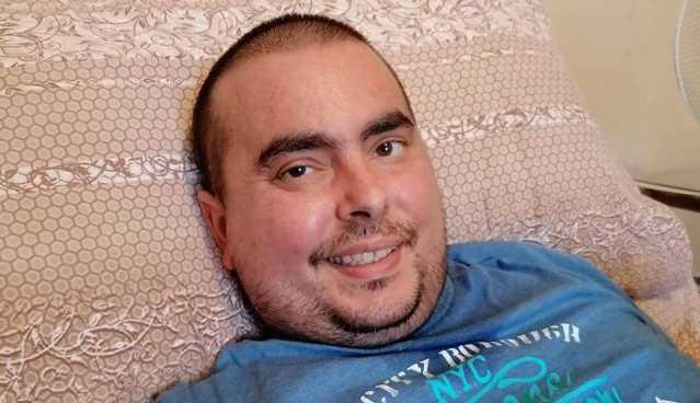 Ha raccontato la malattia sui social, muore Max Conteddu