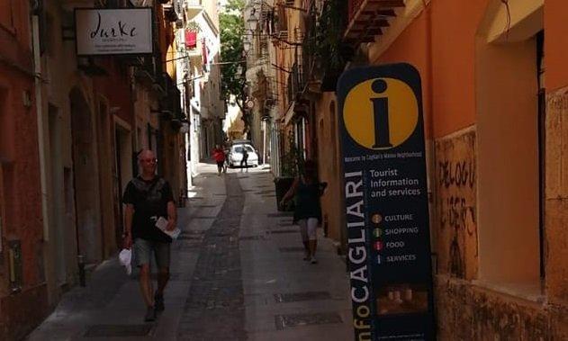 Lavori sulla rete elettrica, interruzioni per l'energia alla Marina a Cagliari