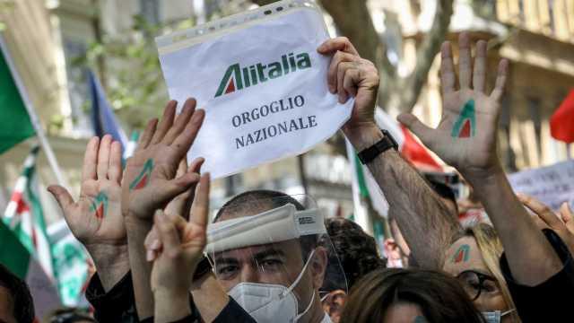 12-10-2021_alitalia-sardegna_è_già_addio__raffica_di_voli_cancellati_migliaia_a_terra.html
